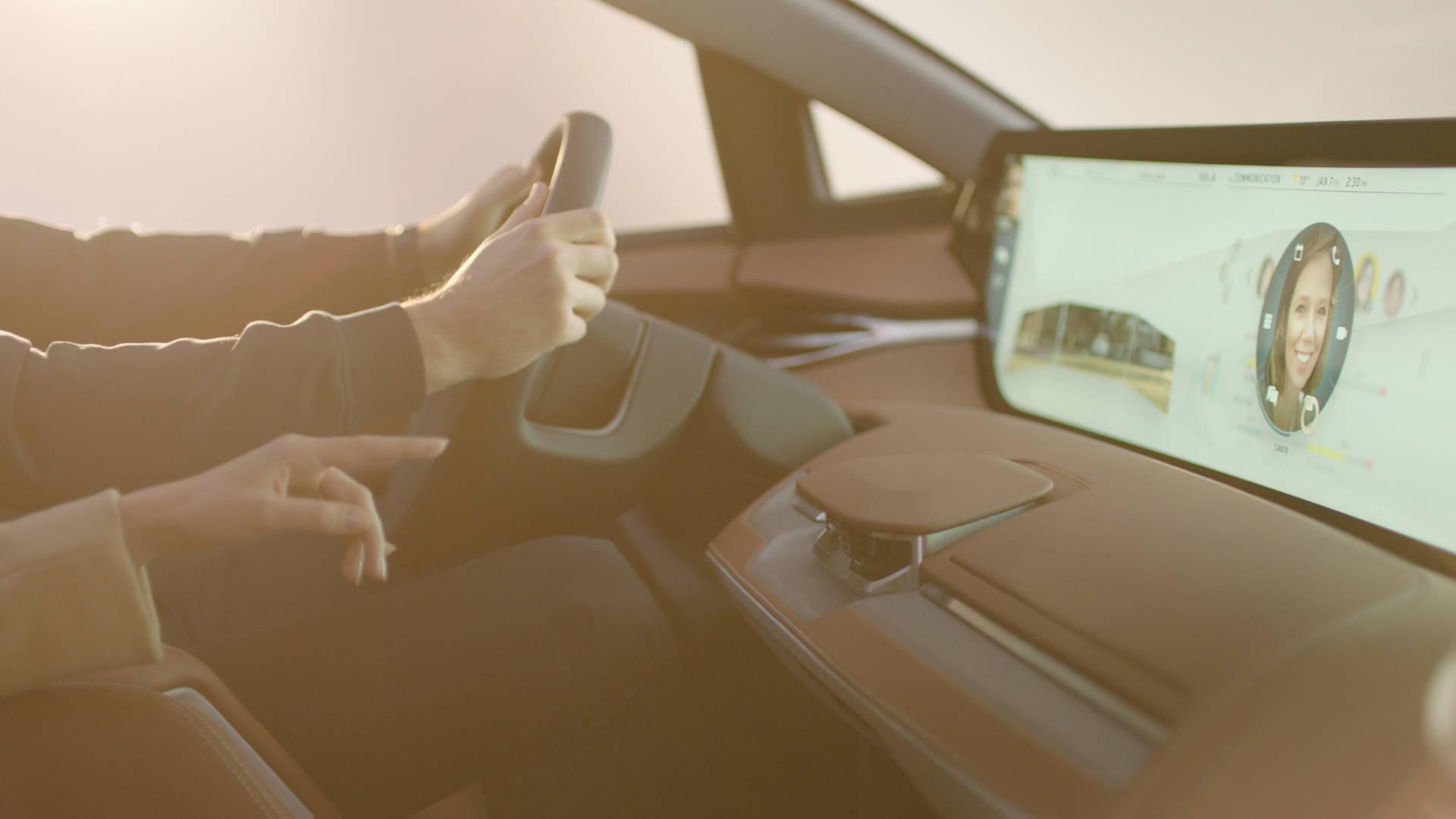 手势传感器位于中控台中央,支持手势控制共享全面屏.jpg