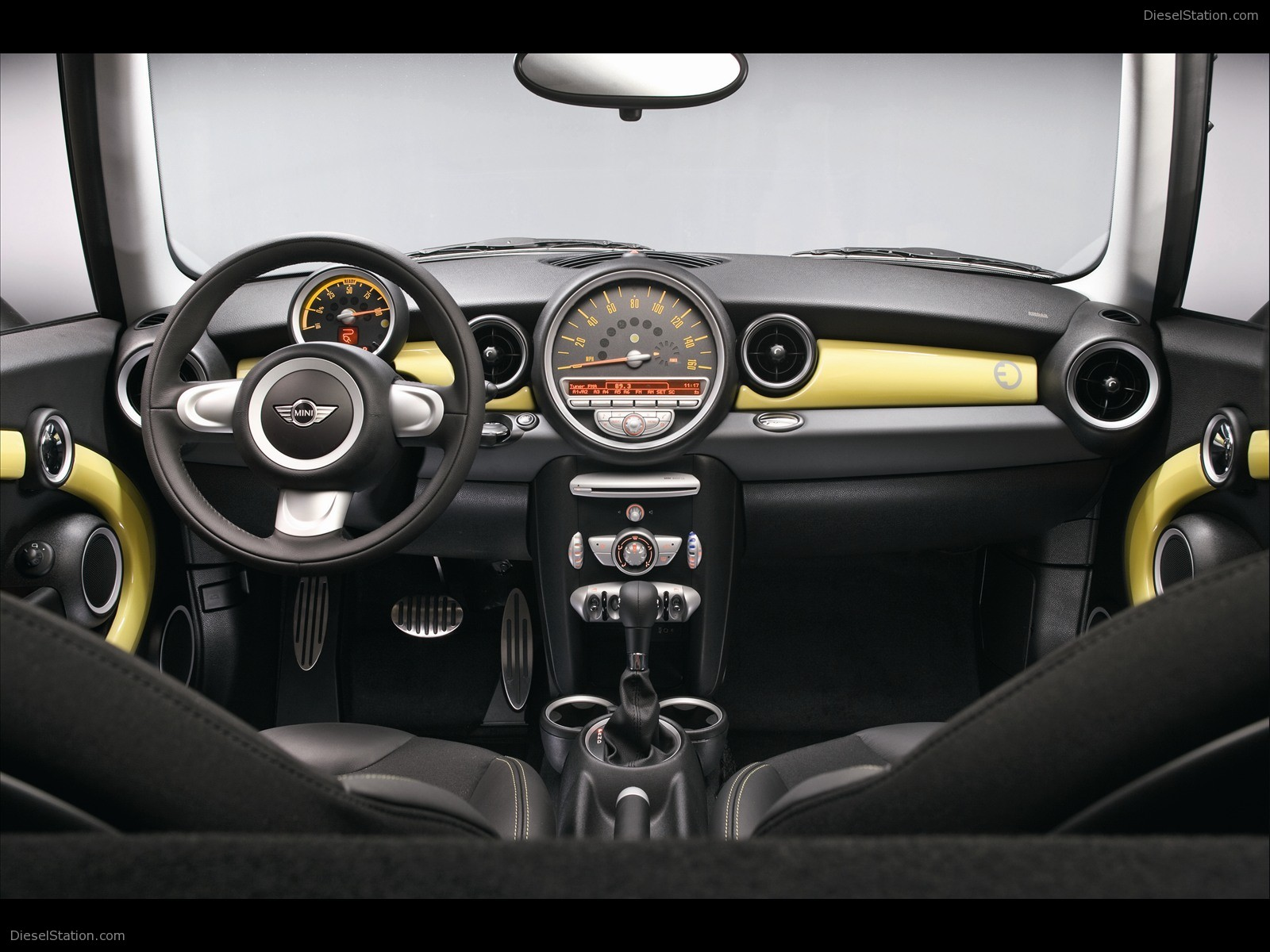 BMW MINI E-02.jpg